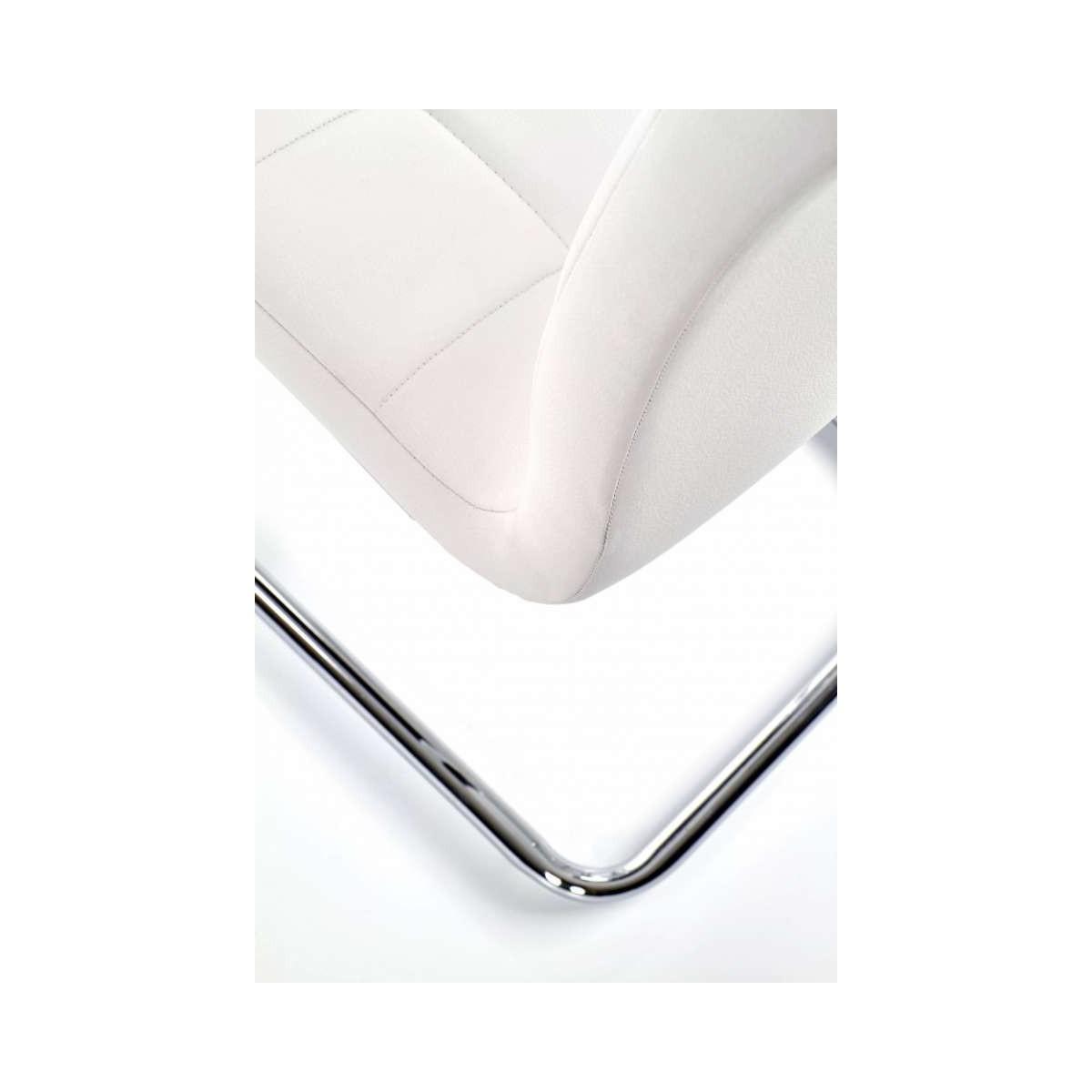 K147 krzesło białe